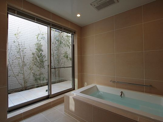 バスコートとバスルームが一つになった 事例紹介 Baincouture Nikko