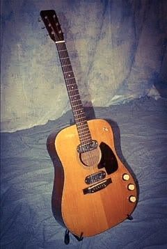 1959 Martin D-18E owned by Kurt Cobain  Kurt bought this guitar at