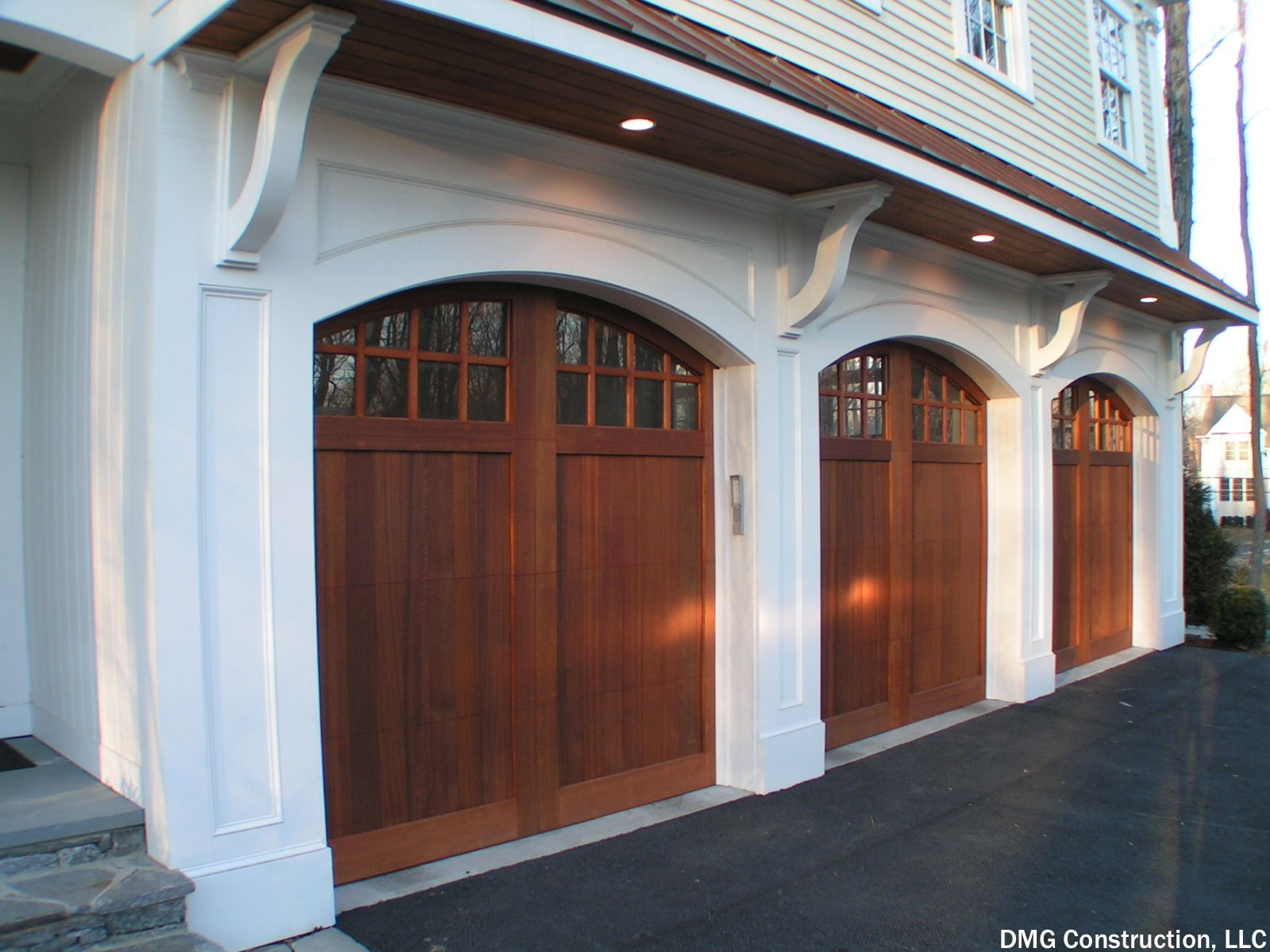 Garage sheds cost small windows garage doors and car garage 3 car garage with arched doors small windows and wooden garage doors if rubansaba