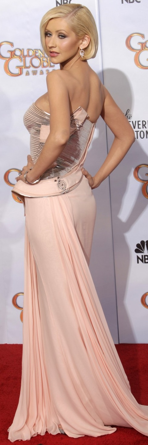 2398-presenter-christina-aguilera-poses-backstage-at-the-67th-annual-golden