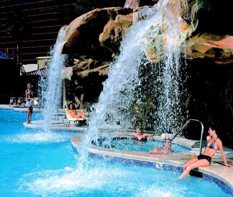 Rio All Suite Hotel Casino Las Vegas Hotel Casino Las Vegas Rio Las Vegas Vegas Pools