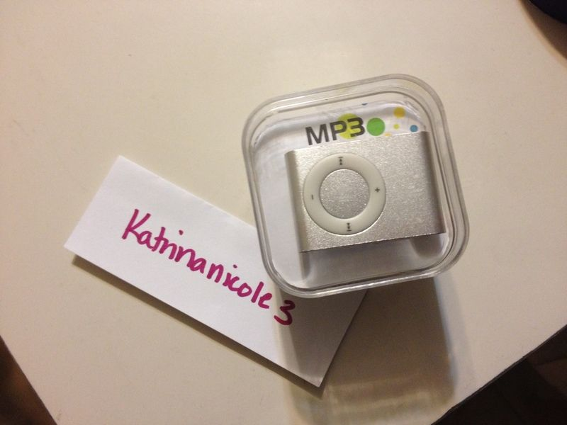 **WATCHERS NEEDED** Silver Metal Clip MP3 Player BNIP ~~Free Ship~~