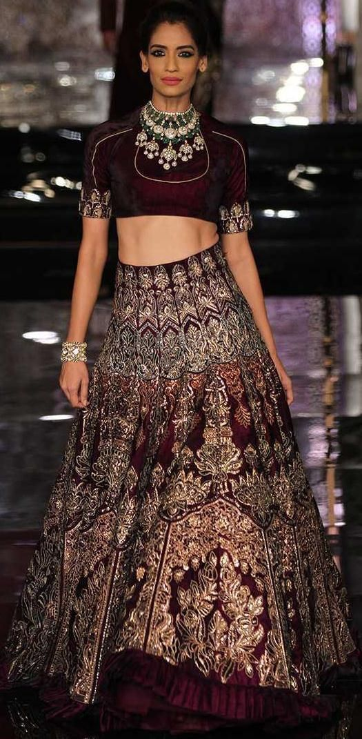 2ea8f7c4ed Pinterest: @pawank90 | Lengha in 2019 | Fashion, Indian dresses ...