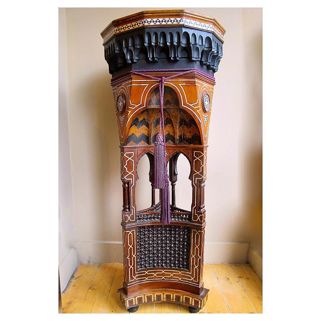 Amazing early 20th century inlaid Syrian pedestal at Les Couilles du Chien in London . #furniture #interiors #syrian @les_couilles_du_chien #lescouillesduchien by duroolowu