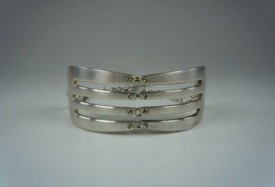 silver fork tine bracelet | Beaded jewelry diy, Spoon ...