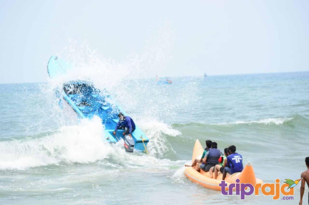Watersports goa thrillingbananaboatrideinGoa