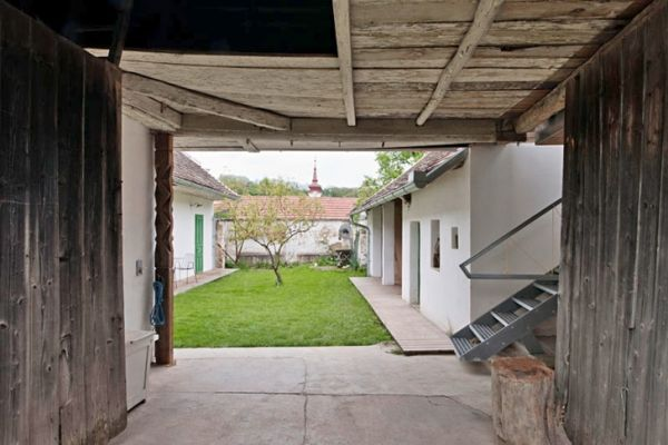 200 Year Old Farmhouse Renovation And Extension By Propeller Z