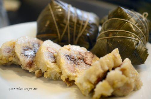 Chinese Tamales (Zongzi 咸肉粽)