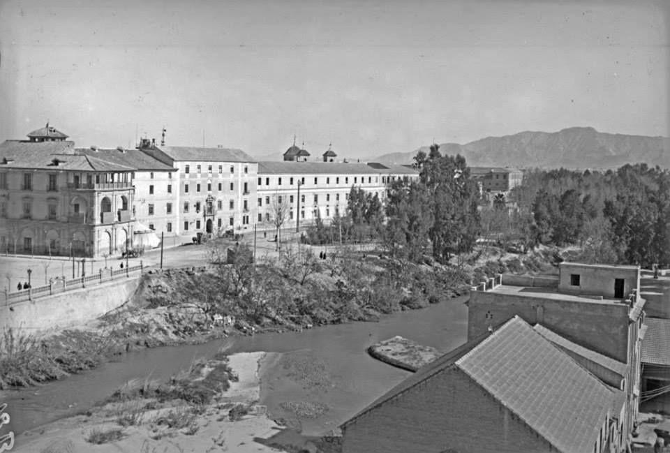 rio segura 1930 desde casa torre de puente viejo. via Museo Huertano de Murcia