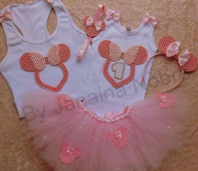 57855eeb28 Kit Mãe e Filha Minnie Rosa Contém no kit  1 blusa adulto feminina ...