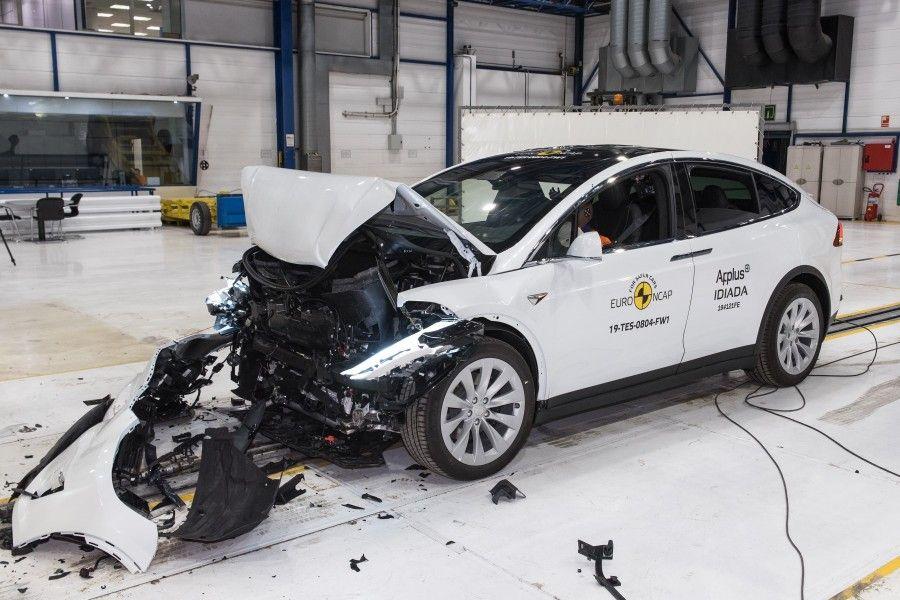 Tesla Model X (2019) excellents résultats aux crash