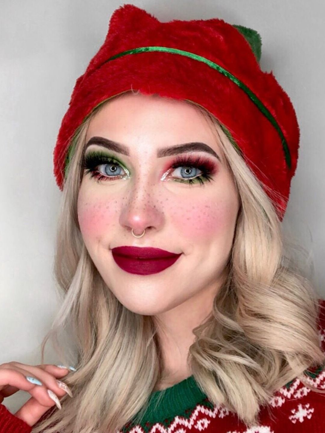 and Trendy Christmas Makeup Looks in 2019
