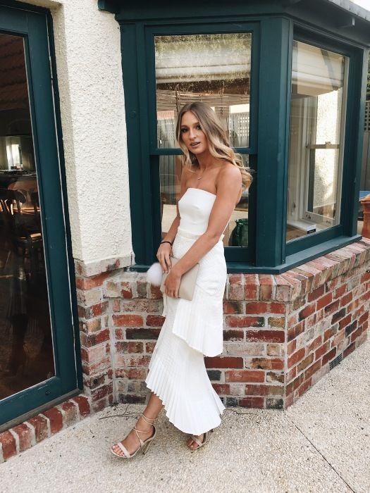 Rent A Dress Au Sass And Bide Grand Legacy Dress In White Dresses Dresses Listing Details High Fashion Street Style Fashion Dresses
