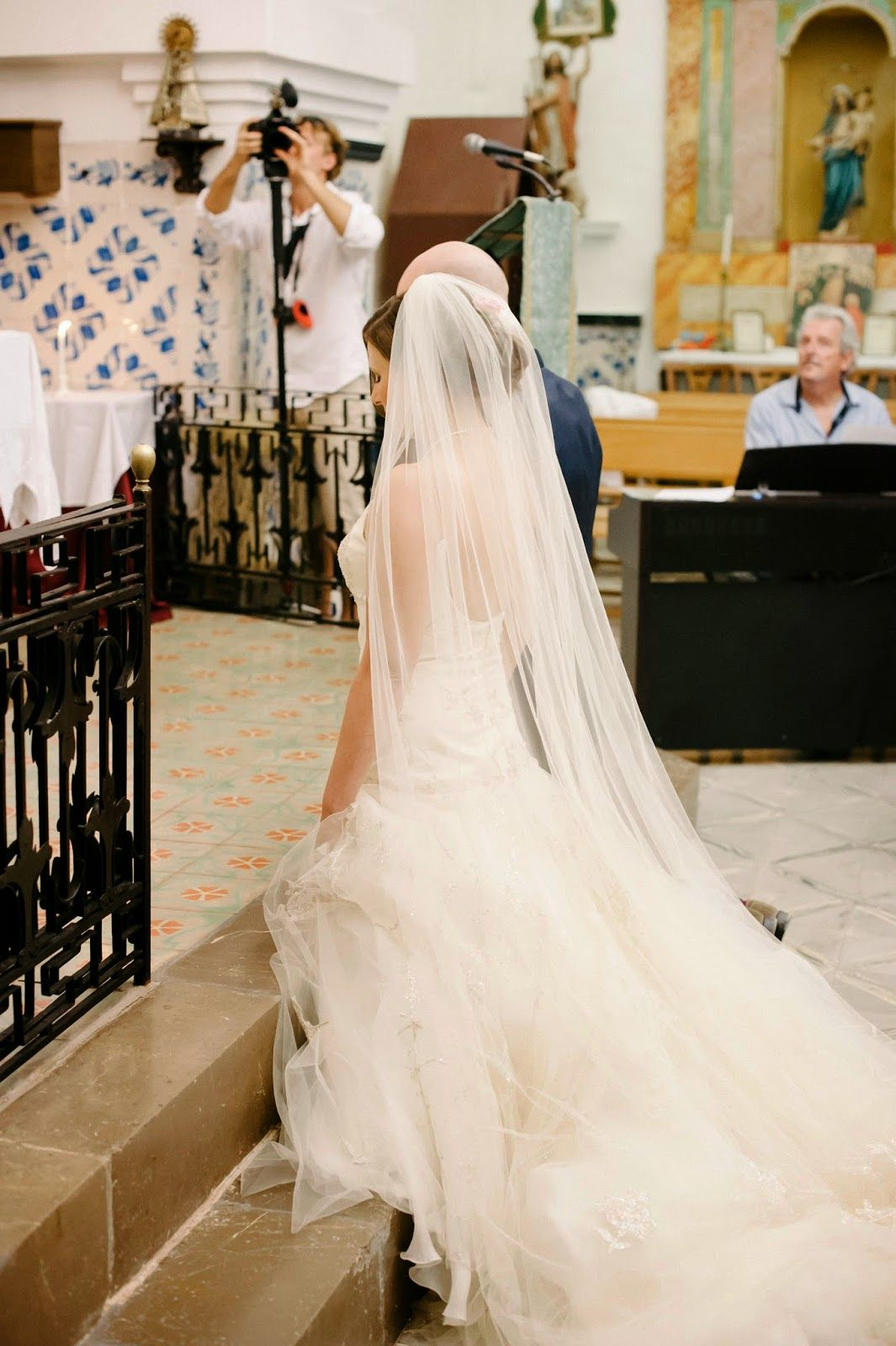 Long sweeping veil for the blushing brides pinterest veils and