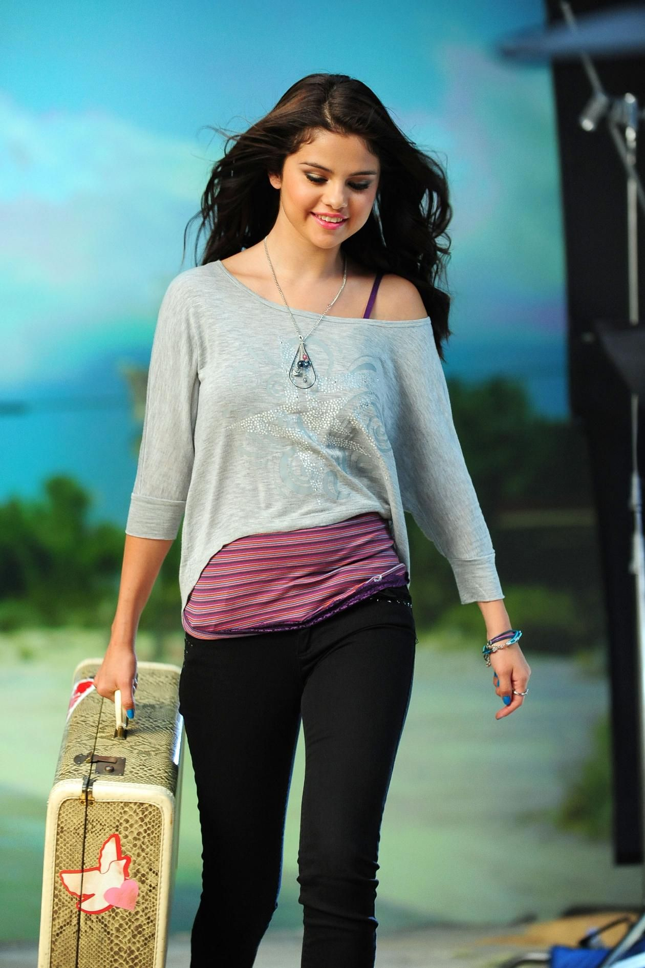 selena gomez dream out loud collection | Selena Gomez - Dream Out Loud behind the scenes Fall Collection 2012 ...