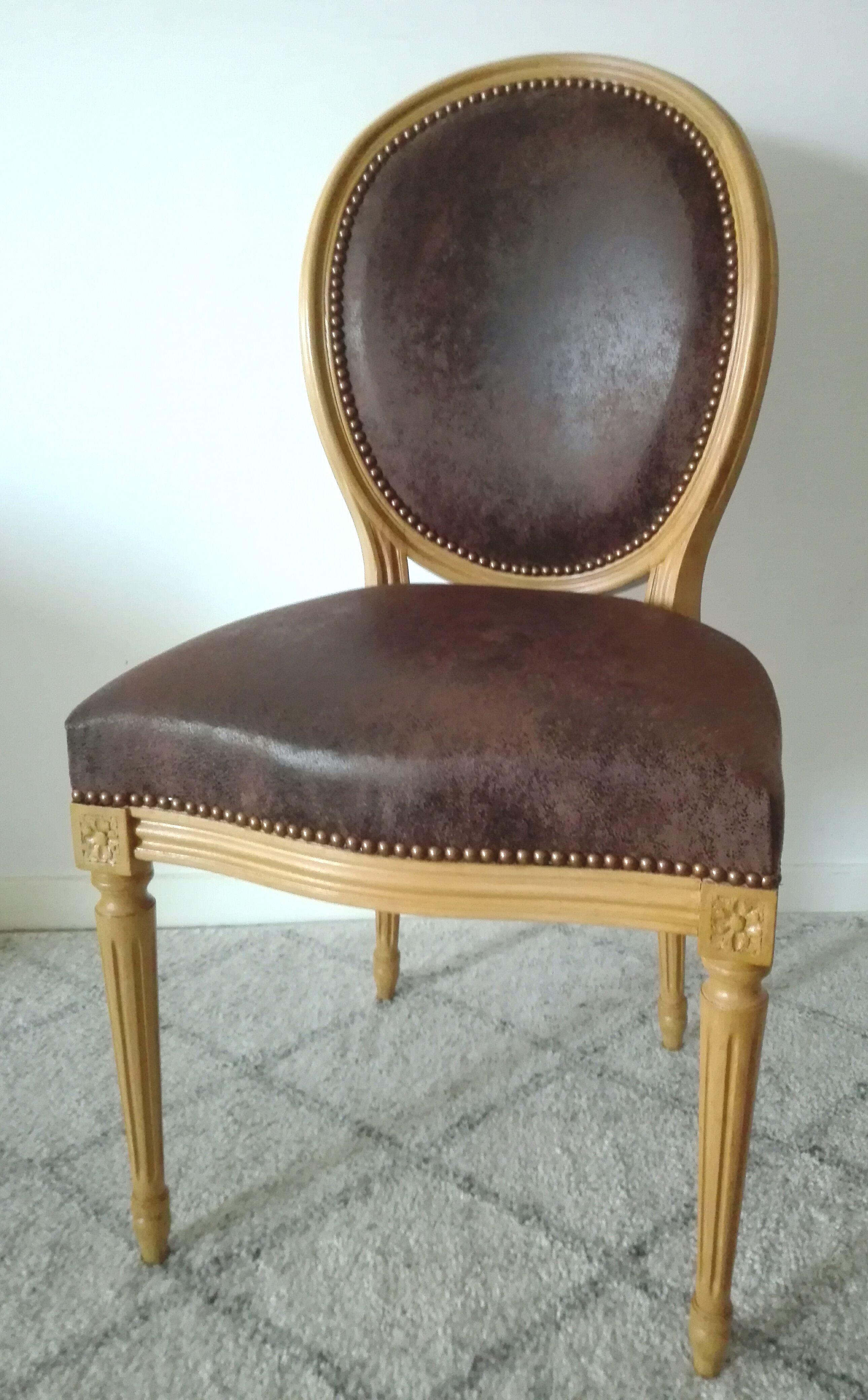 Renover Une Chaise Medaillon chaise médaillon relookée | mobilier de salon, relooking