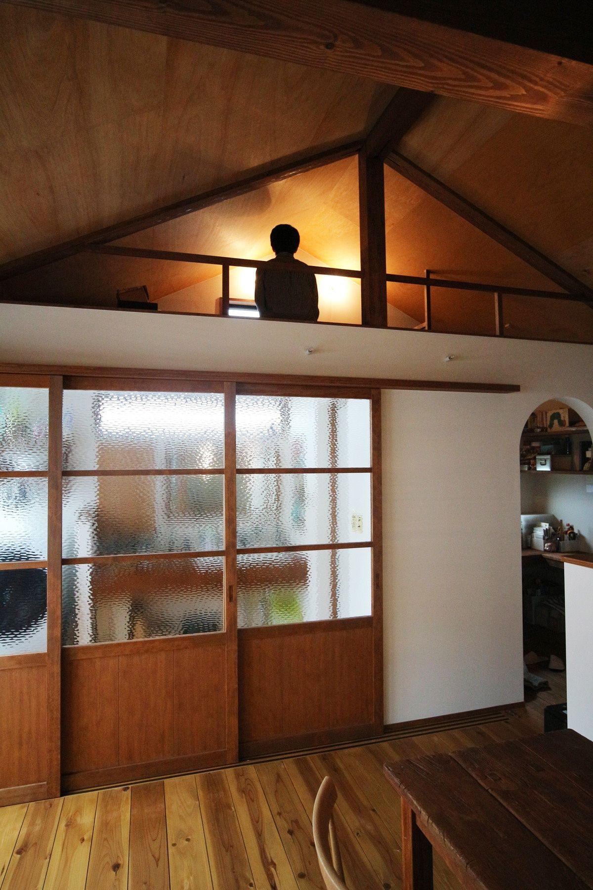 昭和レトロな三角屋根の家 ご主人専用のロフト空間 重量木骨の家 選ば