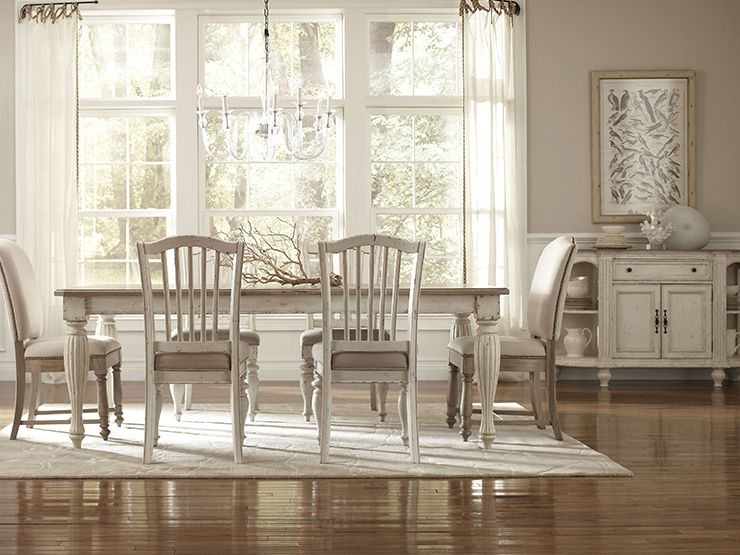 Riverside Coventry Country dining rooms, Oval table