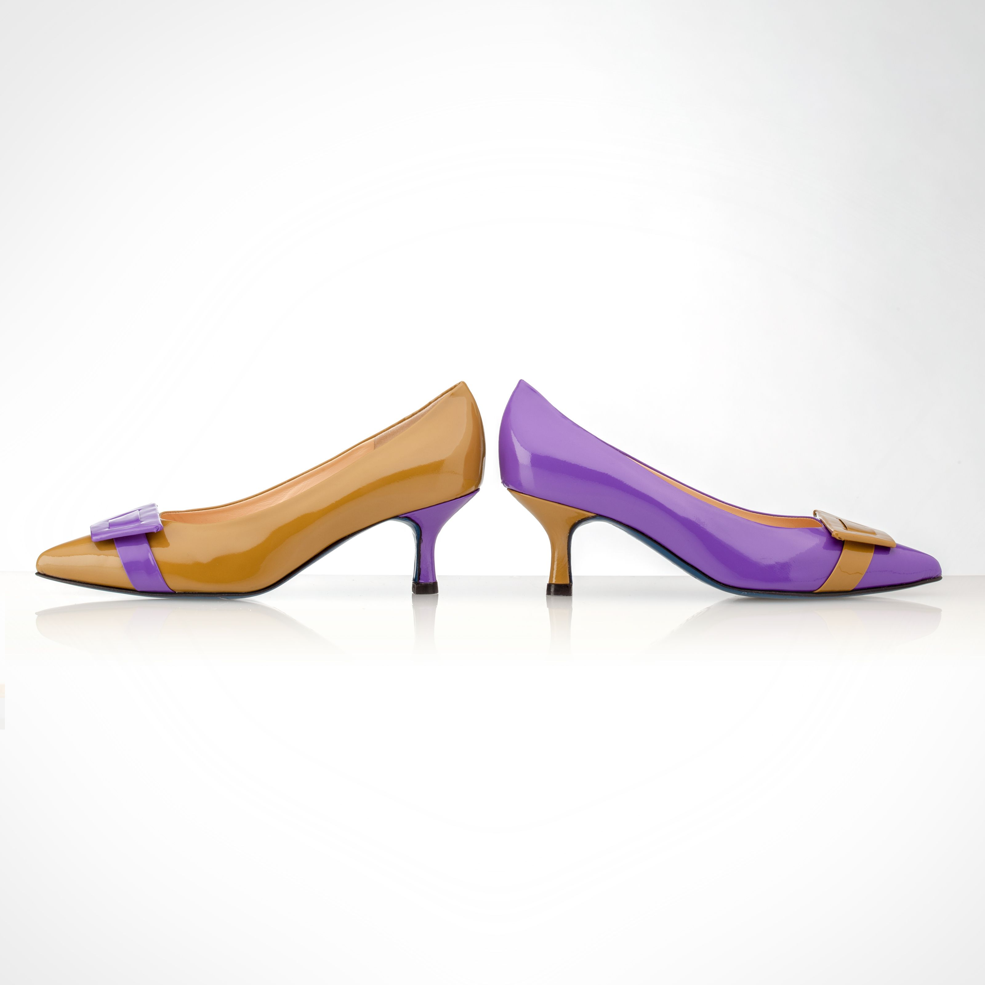 96fc0ce61142 Asymmetric pumps purple and mustard.  asymmetricpumps  mismatchedpumps   amalclooney  style  fashion  shoes  pumps www.figinifootwear.it