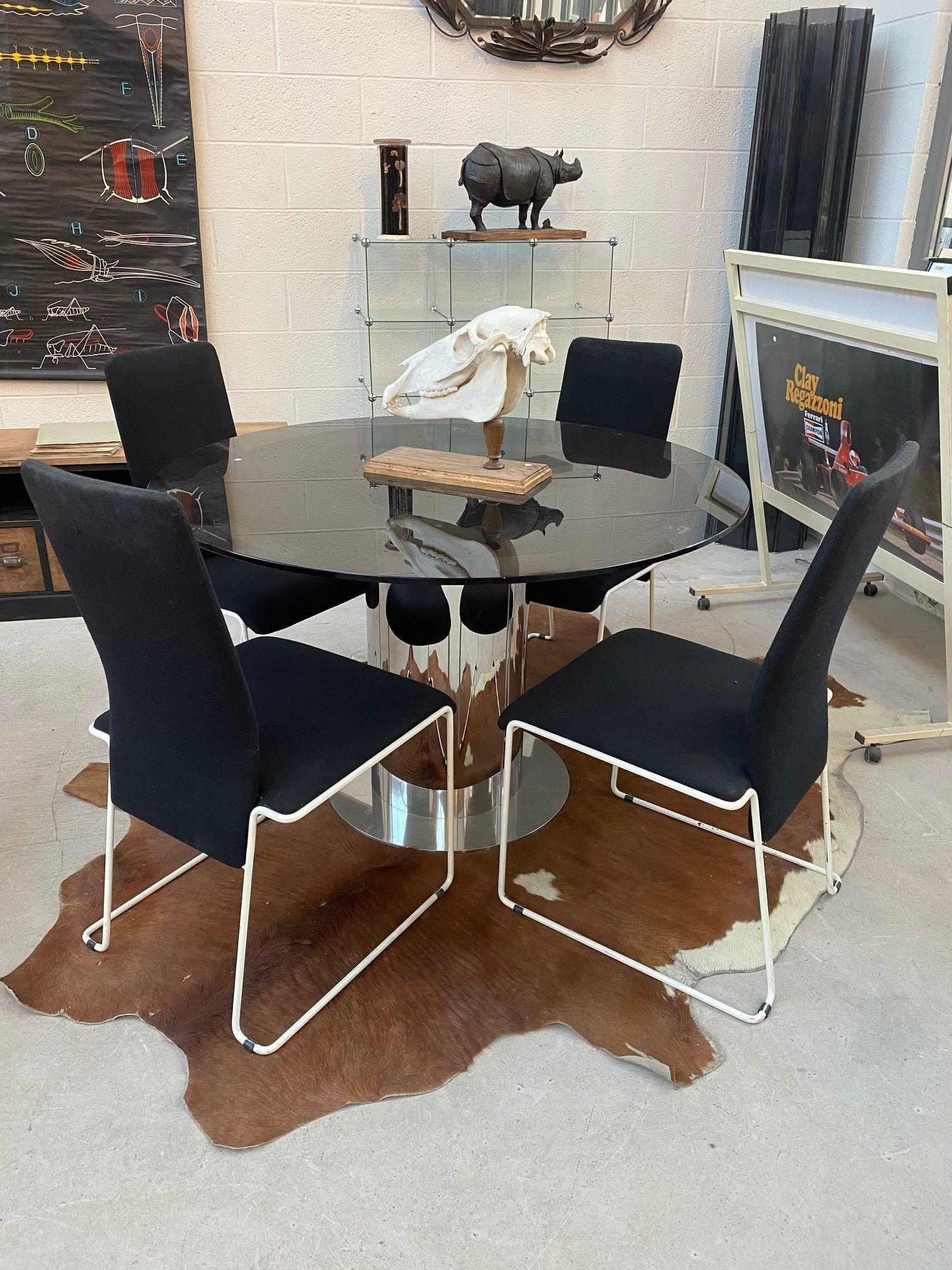 Suite De 8 Chaises Annees 80 Chaise Decoration Maison Confortable