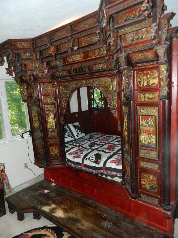 Hand Carved Bed: Antique Hand Carved Chinese Wedding Bed