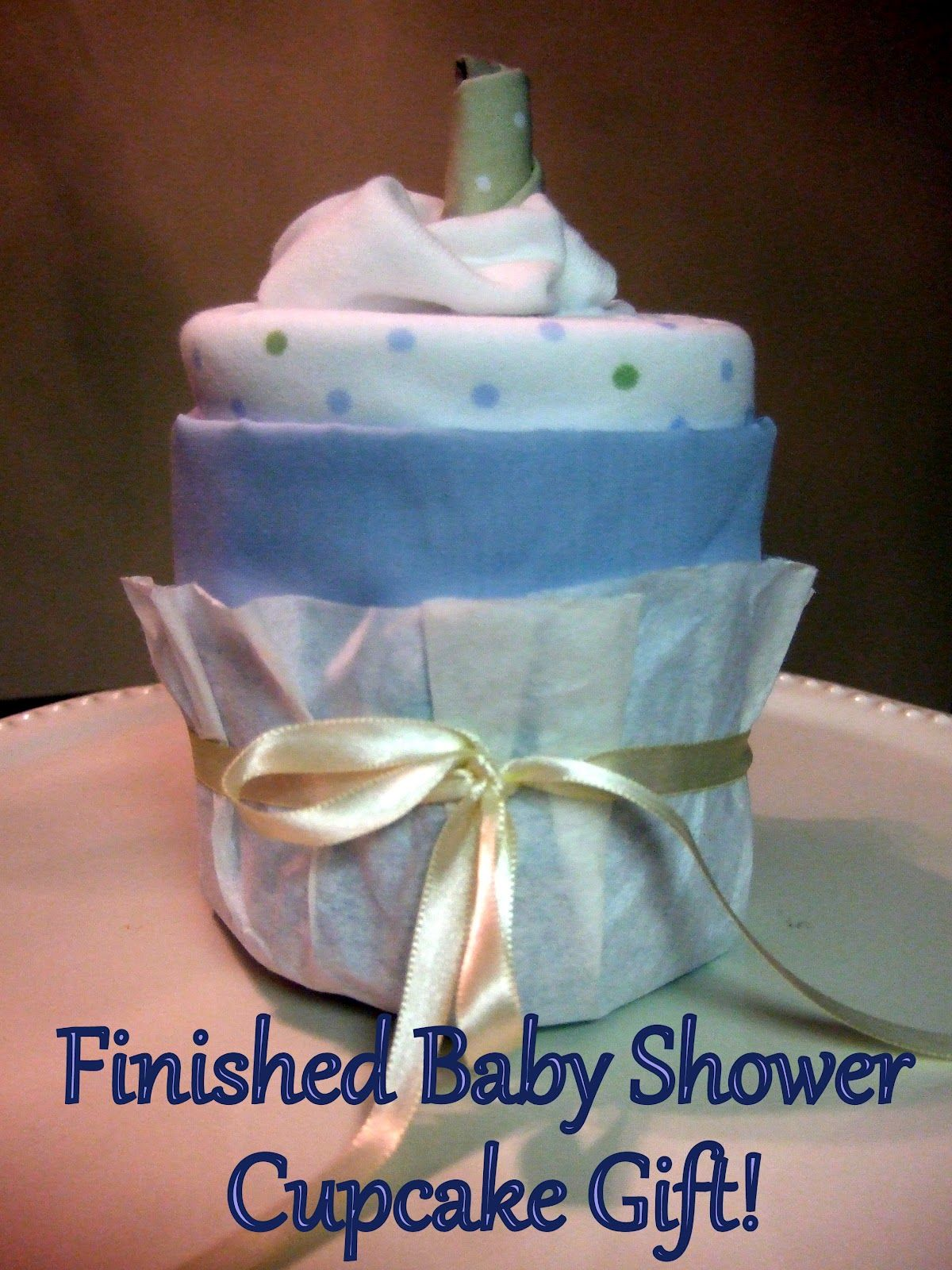 How to make a baby shower clothing cupcake