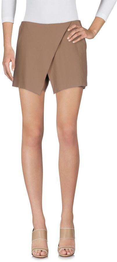 Boutique De La Femme Women Shorts on YOOX. The best online selection of  Shorts Boutique De La Femme. YOOX exclusive items of Italian and  international ... b4140621789