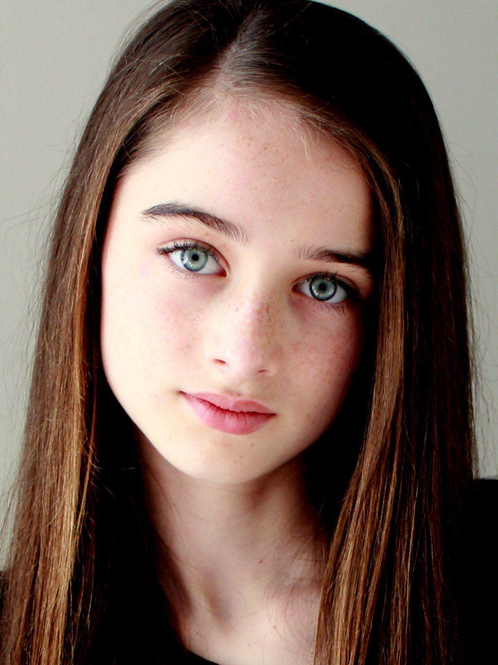 Raffey Cassidy Brown Hair Blue Eyes Girl Dark Hair Blue Eyes