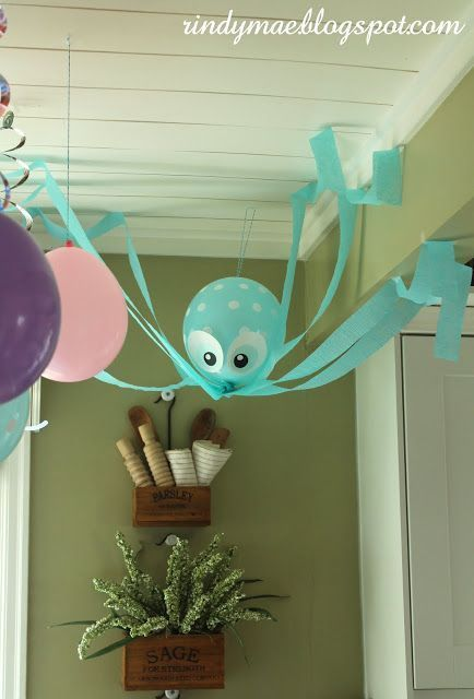 For the mermaid birthday: Ariel and friends! Mermaid party decorati