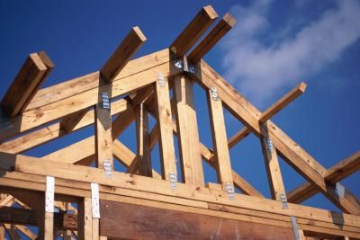 How To Construct A Dual Pitch Roof With Images Roof Trusses Roofing Roof Repair