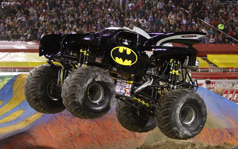 10 Scariest Monster Trucks With Images Monster Trucks Trucks