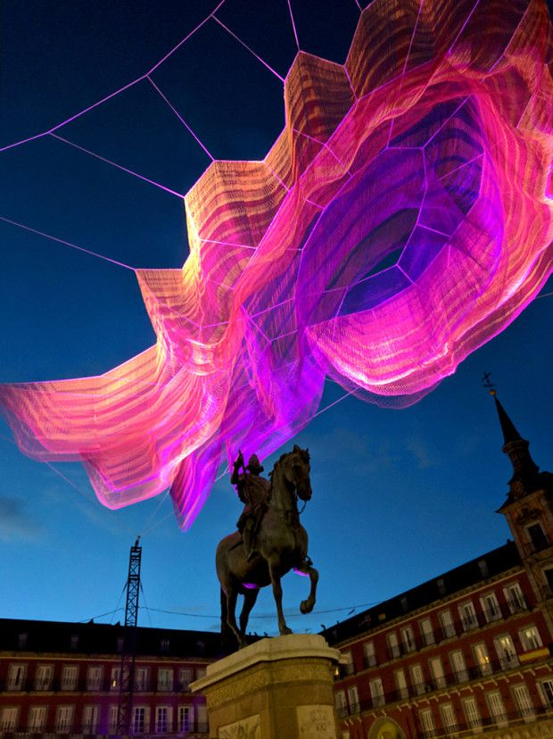 1 78 Madrid Janet Echelman 1 78 Within The Title References The Number Of Microseconds The Day Was Shorte Janet Echelman Sculpture Sculpture Installation