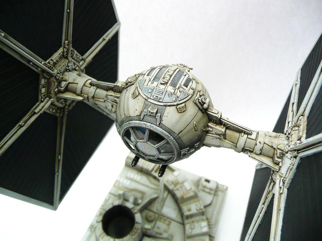 Plastic Corner: Star Wars Tie Fighter (Ban Dai) 1:72