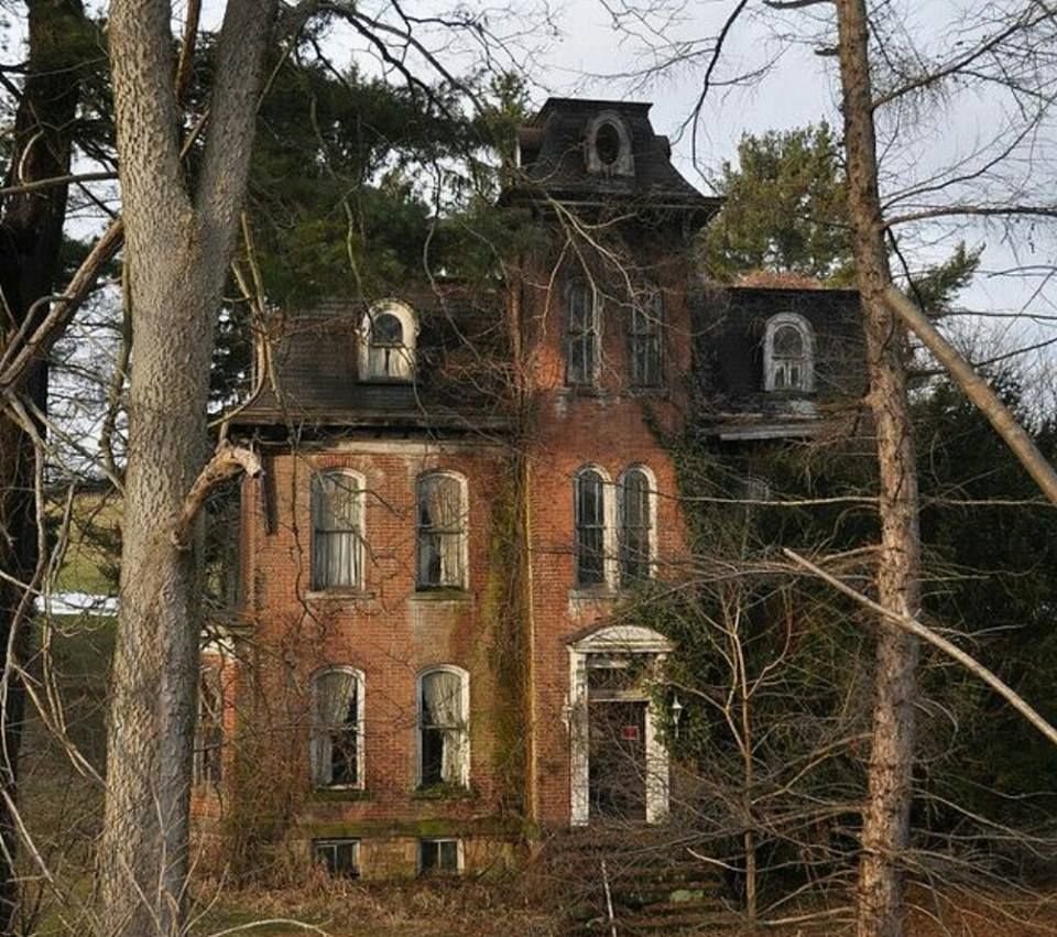 Abandoned House In Pennsylvania...