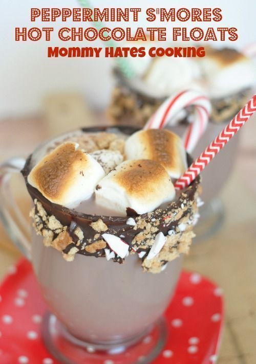 Peppermint S'mores Hot Chocolate Floats #hotchocolaterecipe