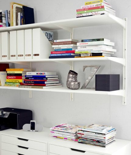 Soluci n de almacenaje algot blanca con estantes de pared - Estanteria algot ikea ...