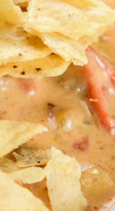 Beefy Cheesy Taco Soup (Crock Pot) #crockpotgumbo