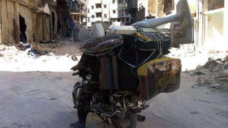 ميليشيات الشبيحة تنفذ عمليات تعفيش في داريا Orient Instagram Posts Vehicles