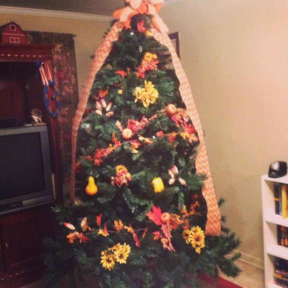 Want to put up the tree but not ready for Christmas? Love my FALL ...