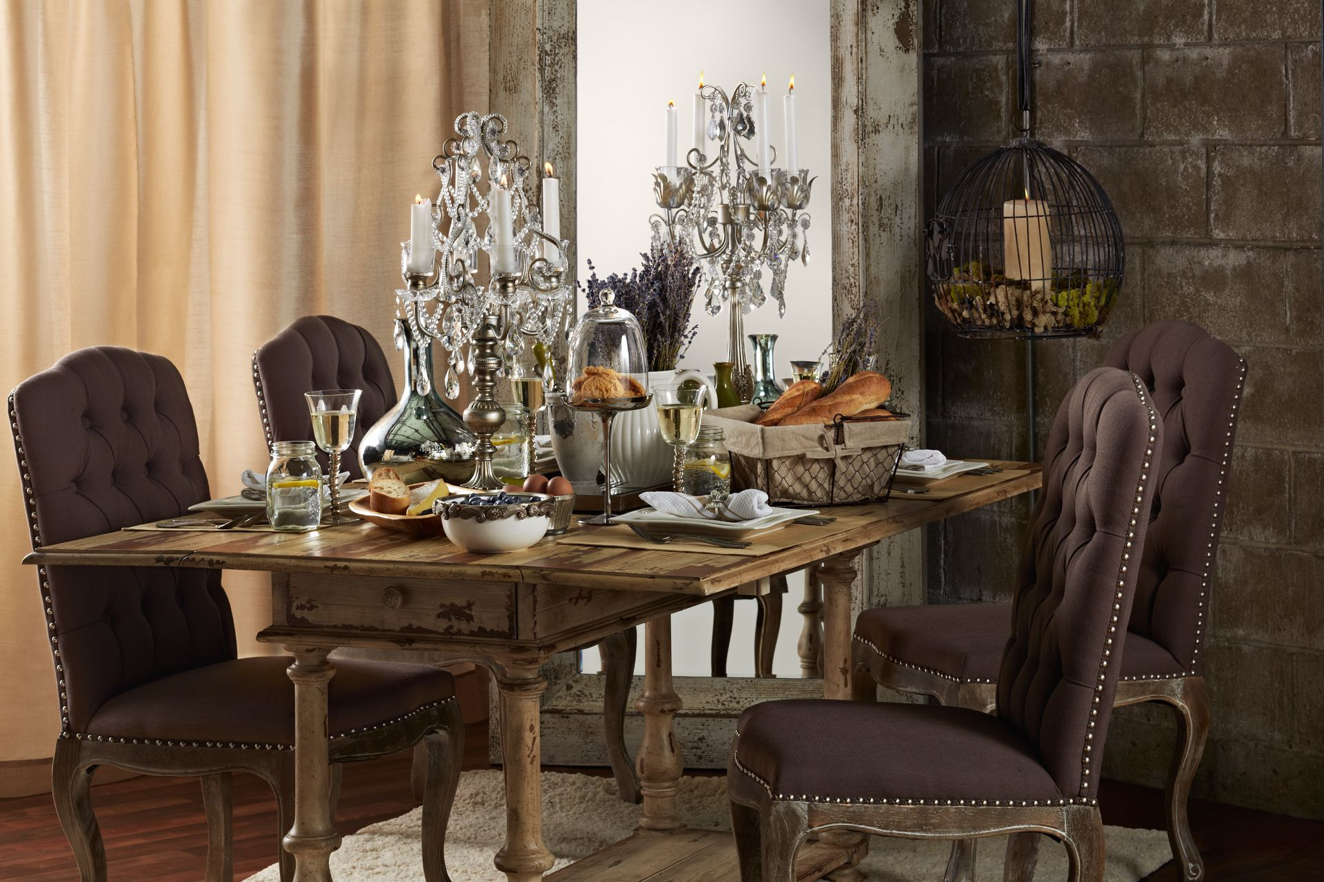 This Dining Room Exudes The Perfect Balance Between Beautiful Femininity And Rustic Nonchalance Its Simply