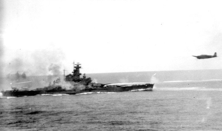 USS South Dakota (BB-57) firing her anti-aircraft guns at attacking Japanese planes during the Battle of the Santa Cruz Islands, 26 October 1942 [3600 x 2119]