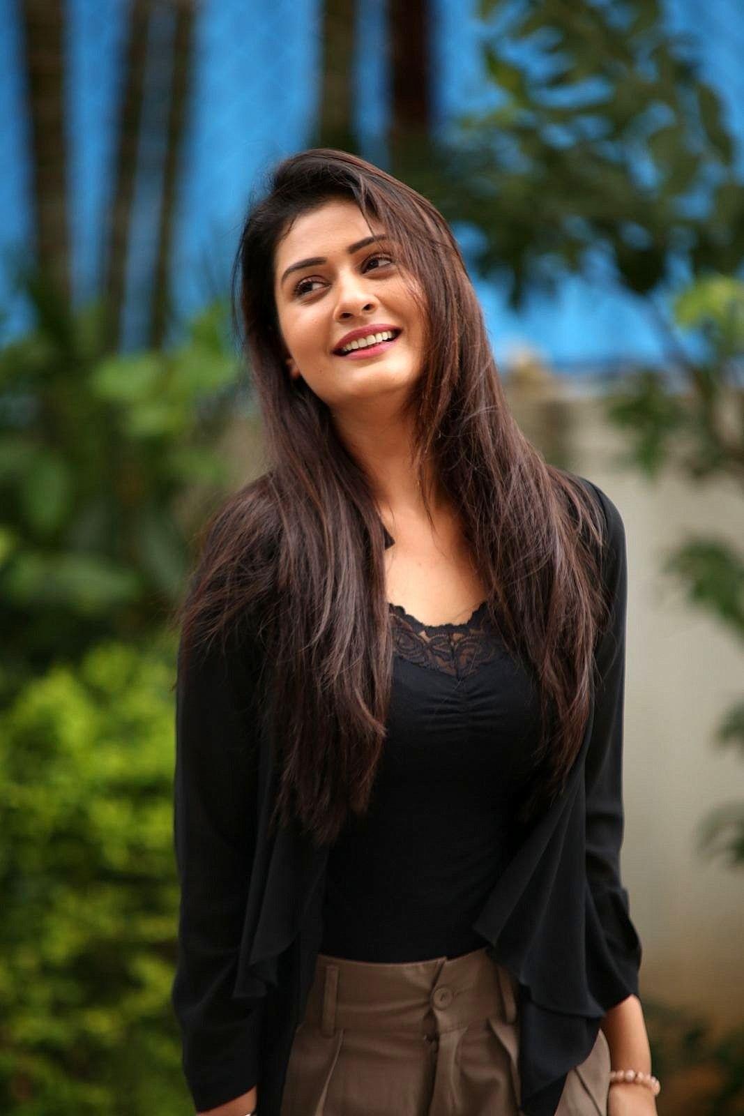 Natural Beauty Full Girl Most Beautiful Indian Actress Desi Beauty