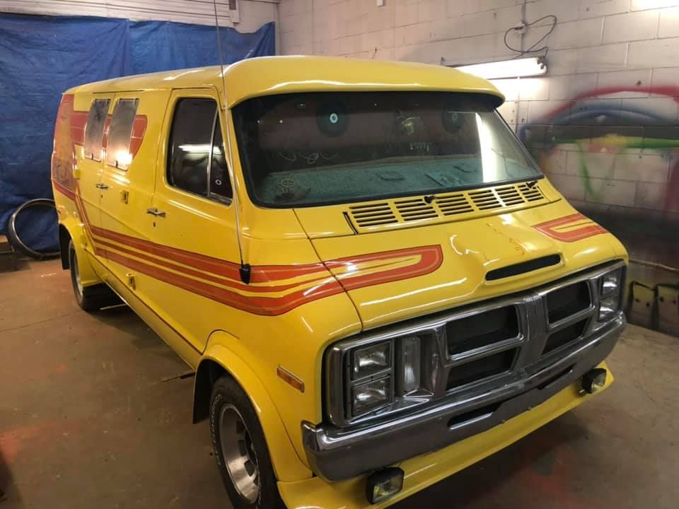 1 Break Away Vanners Custom Vans Chevy Van Vans