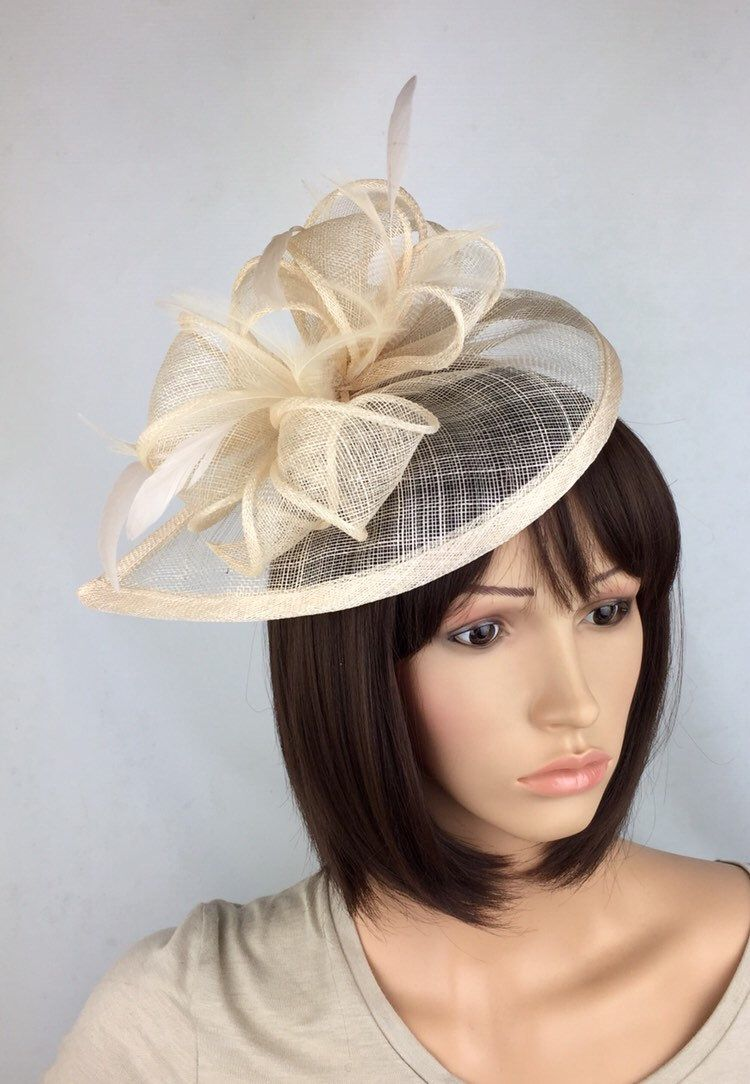 Very Pale Nude Fascinator Pale Beige Fascinator Fawn Wedding Fascinator Mother of the Bride Ladies Day Ascot Races Formal Occasion #fascinatorstyles