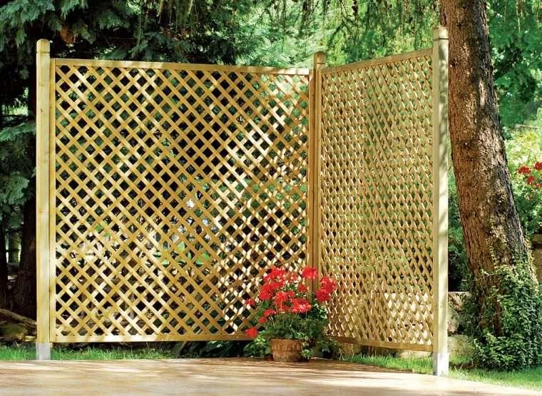 Clôture de jardin en bois  75 idées pour faire un bon choix - palissade en pvc jardin
