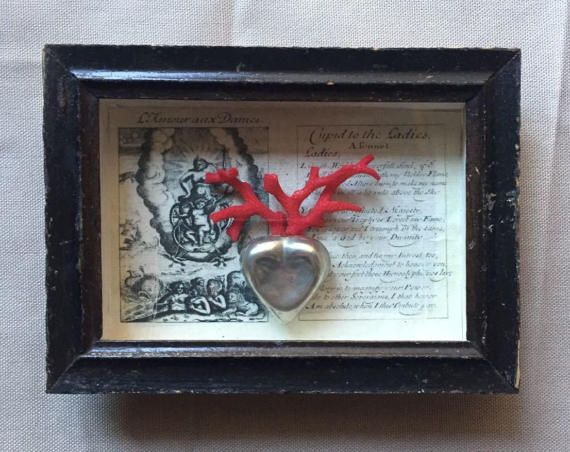 heart  coral  in box frame cm 16x12