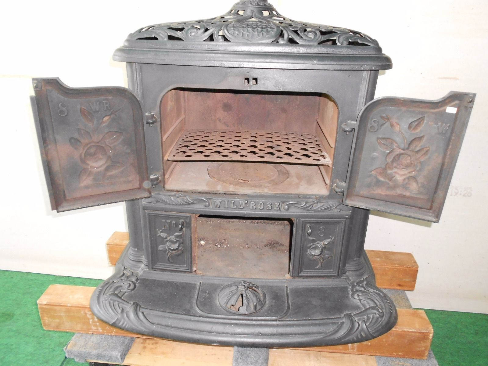antique jewett root wild rose parlor stove buffalo ny pot belly cast iron ebay cast iron. Black Bedroom Furniture Sets. Home Design Ideas