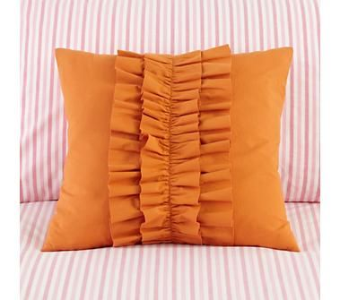 Ruffle throw pillow: make this! (so easy AND so cute)