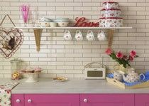 Brick effect tiles and beautiful retro kitchen
