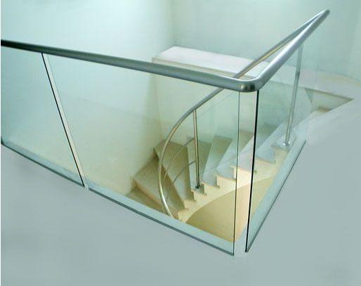 creation design garde corps verre acier inox pour rampe. Black Bedroom Furniture Sets. Home Design Ideas